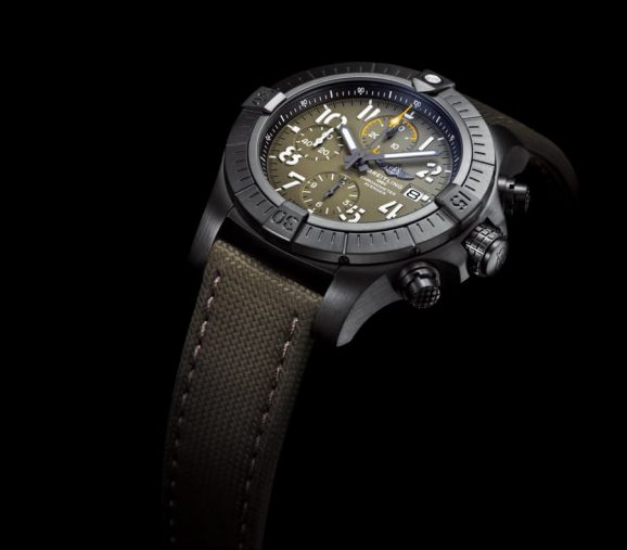 Breitling: Avenger Chronograph 45 Night Mission