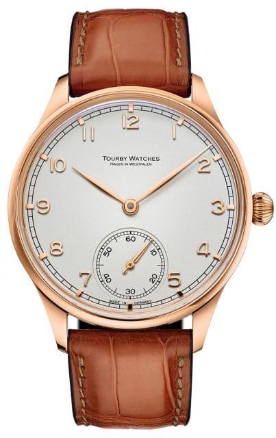 Tourby Watches: Das neue Modell Art Deco 43 Rose besitzt ein vergoldetes Edelstahlgehäuse (1.800 Euro)
