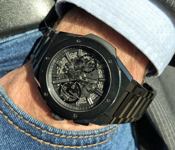 Wristshot der Hublot Big Bang Integral in Keramik
