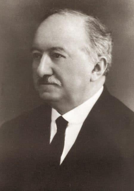 Alfred Kurth gründete 1888 zusammen mit seinem älteren Bruder Adolf in Grenchen das Unternehmen, das später Certina genannt wurde