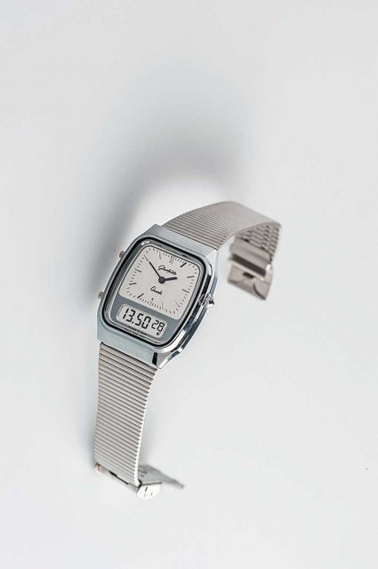 Erste Quarz-Armbanduhr aus Glashütte : Quarz-Hybrid Kaliber 1-18.