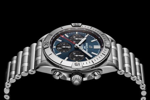 Breitling: Chronomat B01 42 in Seitenansicht