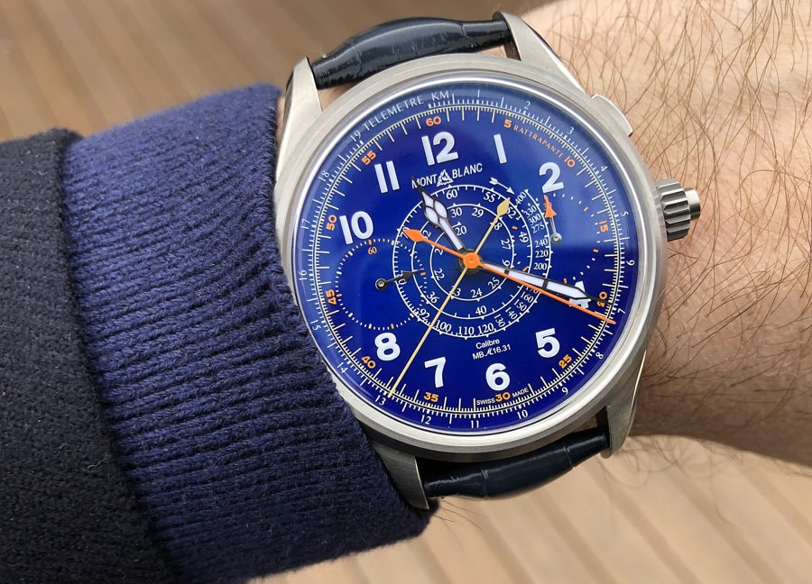 Montblanc: Der 1858 Split Second Chronograph in Blau am Handgelenk