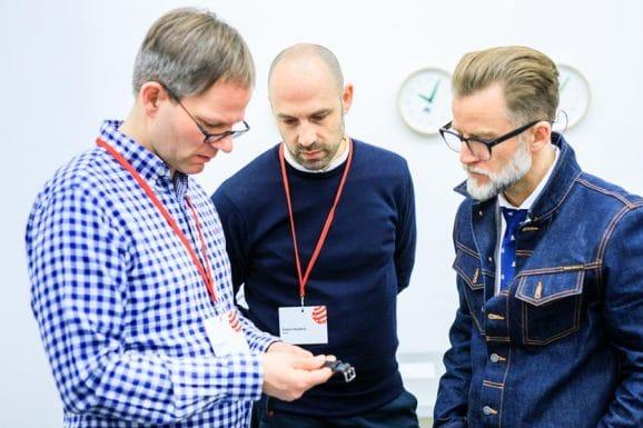 Die Red-Dot-Uhrenjury: Chronos-Redakteur Jens Koch, Designer Simon Husslein und Robb-Report-Chefredakteur Joern Kengelbach (von links)