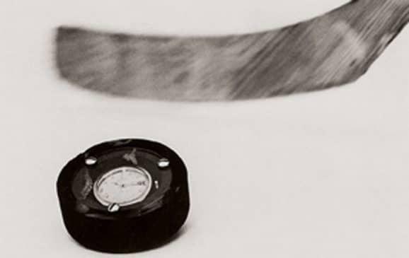 Die Uhr im Eishockeypuck: Mitte des 20. Jahrhunderts ließ Certina seine Uhren spektakuläre Härtetests bestehen
