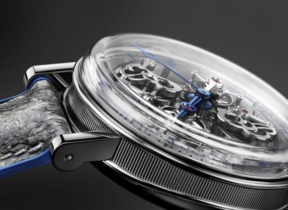 Die Breguet Classique Doppeltourbillon 5345 Quai de l'Horloge von der Seite