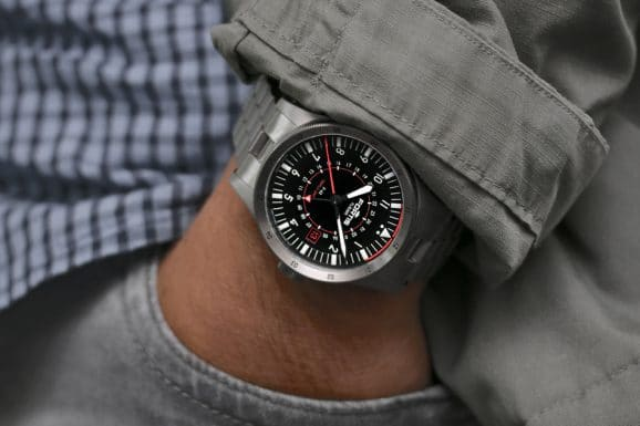 Fortis: Flieger F-43 Triple GMT