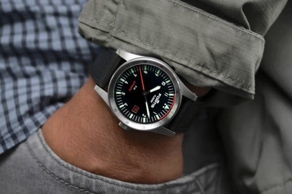 Fortis Flieger F41 am Lederband