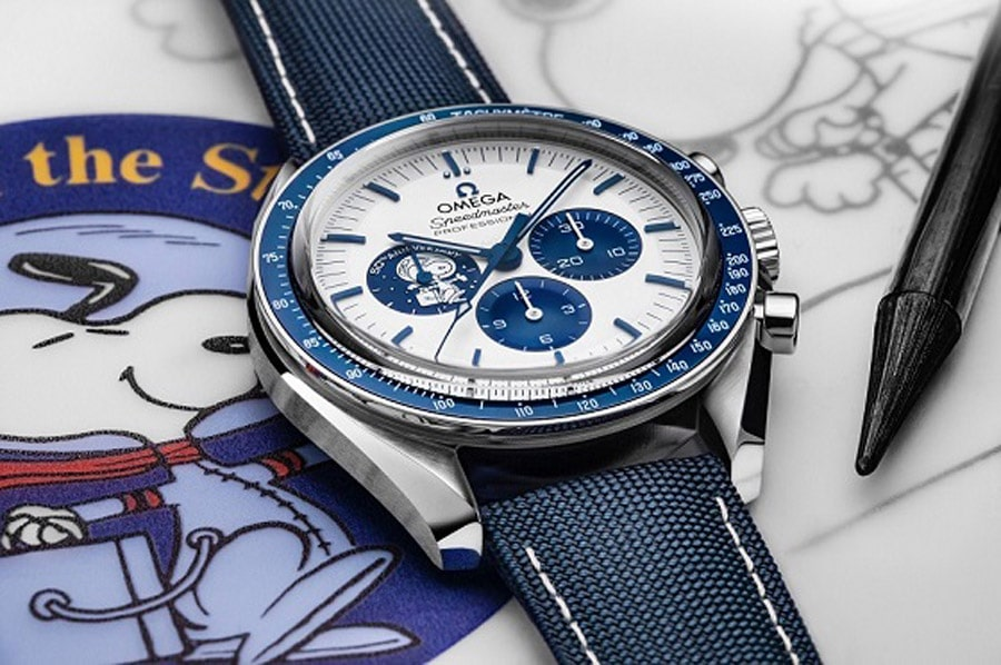 Omega: Speedmaster Silver Snoopy Award