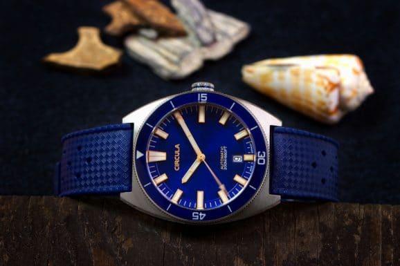 Circula: AquaSport mit dunkelblauem Zifferblatt und Band