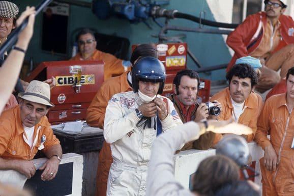 """Steve McQueen bei den Dreharbeiten zu """"Le Mans"""" im Juni 1970"""