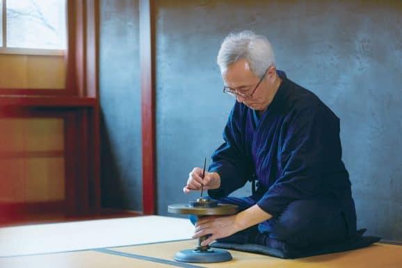 Japanisches Uhrendesign: Lackkünstler Isshu Tamura