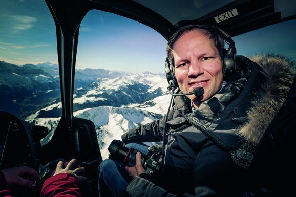 Jens Koch begleitet Air Zermatt Piloten bei Einsätzen