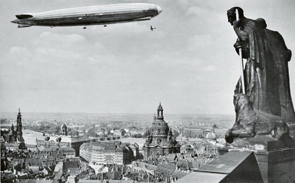 Zeppelin-Spritztour über das barocke Dresden bei dem Chronometer zum Einsatz kamen