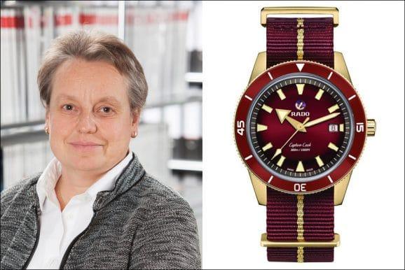 Martina Richter, stellvertretende Chefredakteurin UHREN-MAGAZIN, wählt die Rado Captain Cook Bronze Burgundy