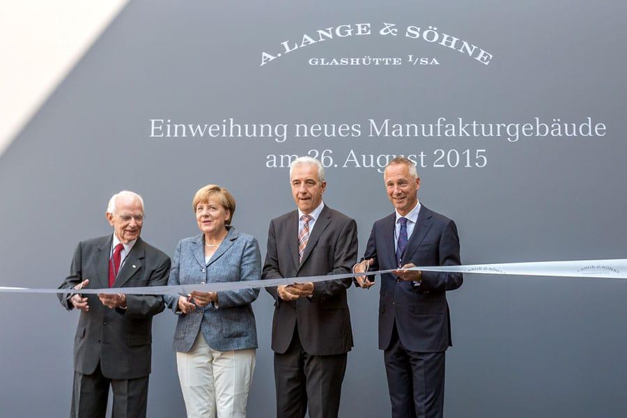 Einweihung der neuen Manufaktur von A. Lange & Söhne 2015 mit Walter Lange, Bundeskanzlerin Angela Merkel, Sachsens Ministerpräsident Tillich und Lange-CEO Wilhelm Schmid