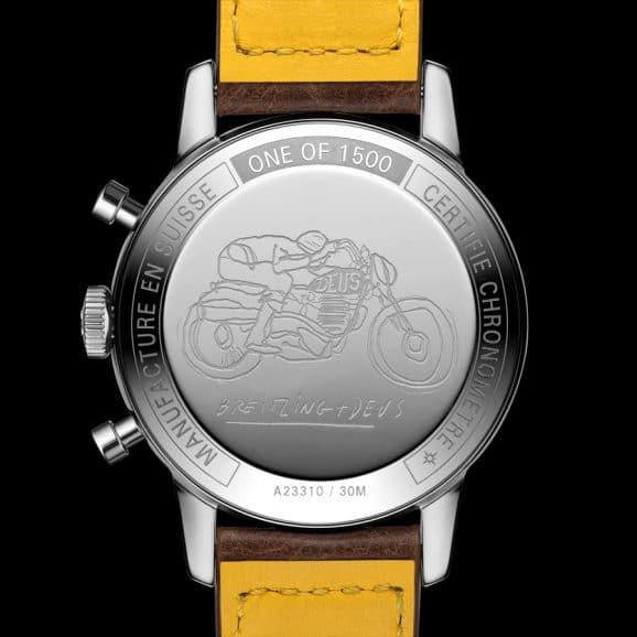 Gehäuserückseite der Breitling Top Time Deus Limited Edition mit Motorrad-Gravur