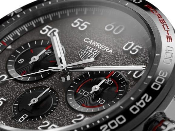 Zifferblatt mit Aspahlteffekt: TAG Heuer Carrera Porsche Chronograph Special Edition 44 mm Calibre Heuer 02 Automatik
