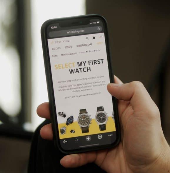 Beim Uhrenabo Breitling Select kann man sich über eine App sein nächstes Modell aussuchen