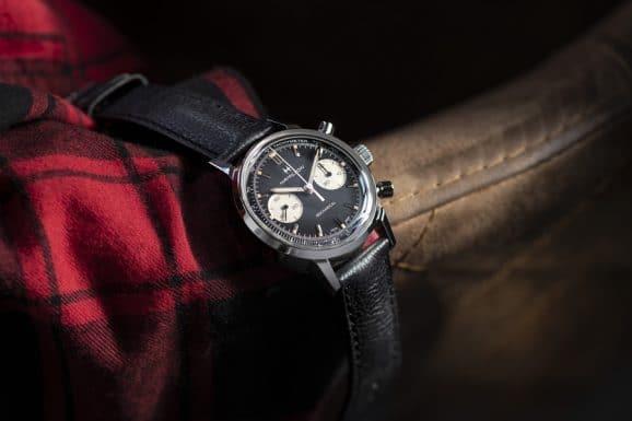 Hamilton: Intra-Matic Chronograph H mit schwarzem Zifferblatt und Kalbslederarmband am Handgelenk