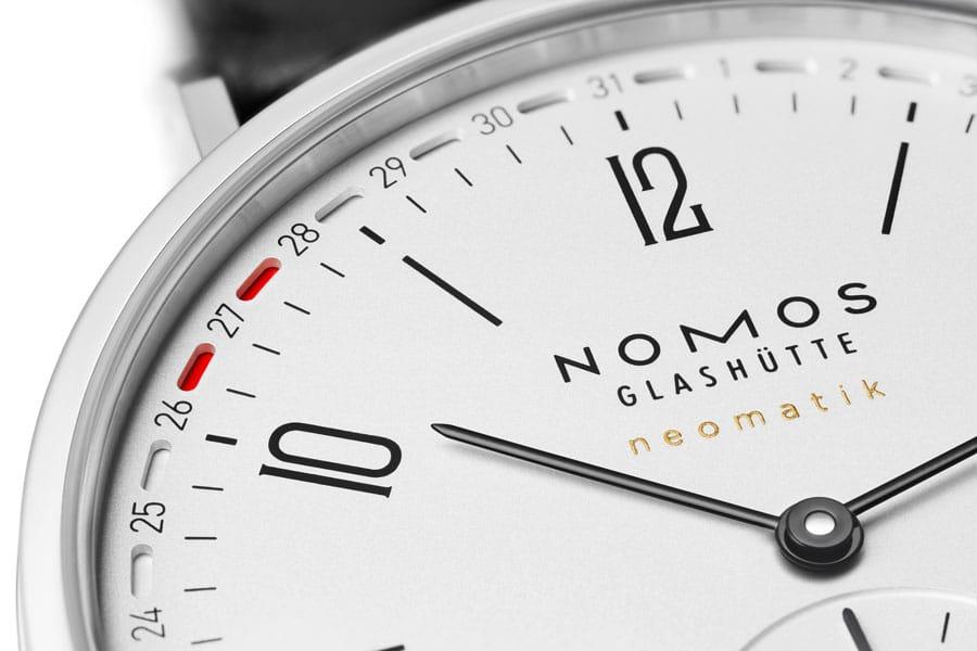 Nomos Glashütte: Markante Datumsanzeige bei der Metro neomatik 41 Update