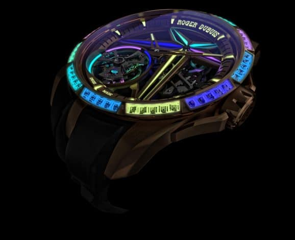 Roger Dubuis: Excalibur Single Flying Tourbillon Glow Me Up bei Nacht