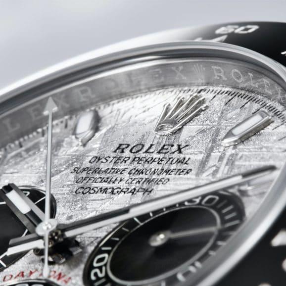 Detailaufnahme des Meteorit-Zifferblatts der Rolex Oyster Perpetual Cosmograph Daytona