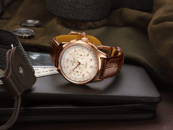 Breitling: Premier B09 Chronograph 40 mit weißem Zifferblatt
