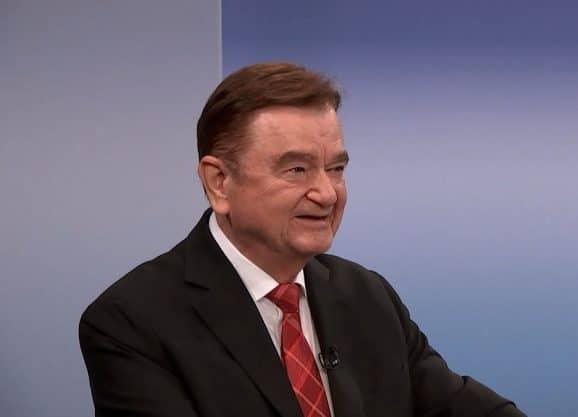Sinn-Chef Lothar Schmidt beim Interview