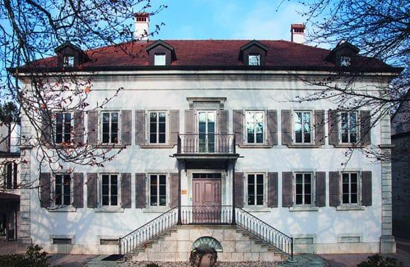 Parmigiani Gebäude von außen